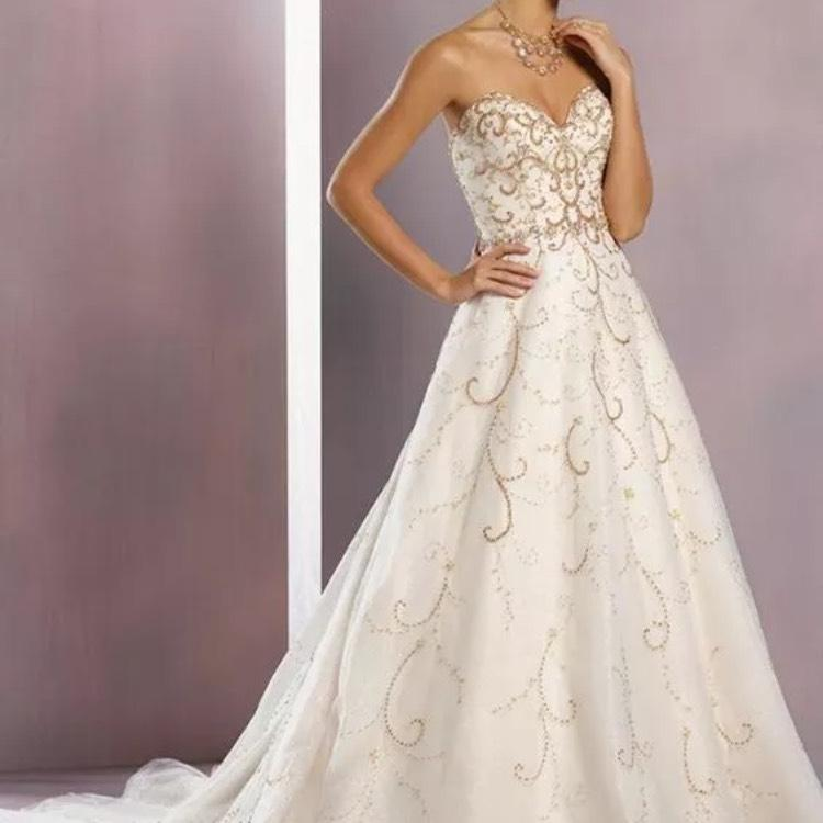 Alfred Angelo White And Gold Tulle Designer Disney Collection Cinderella  Traditional Wedding Dress Size 14 ...