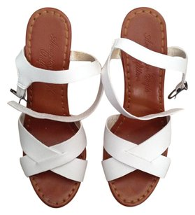 American Eagle Outfitters Platform Crisscross Strap Ankle Strap WHITE CORK Wedges
