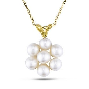 Amour Amour 10k Gold Freshwater Pearl Flower Pendant Necklace 4-4.5 Mm 17