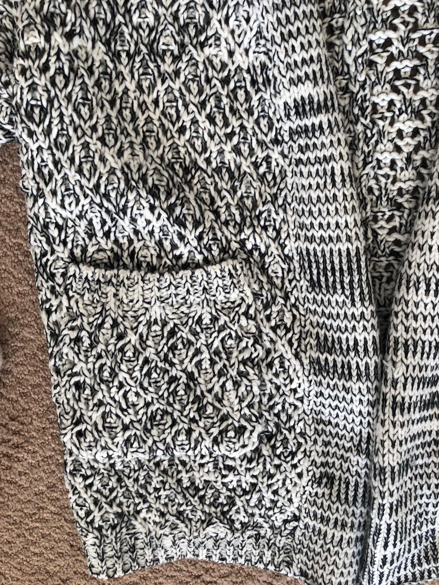 Anthropologie Black and White Knit Cardigan Size 4 (S ...