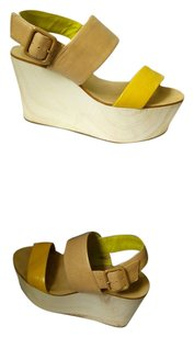 BCBG yellow/beige Wedges