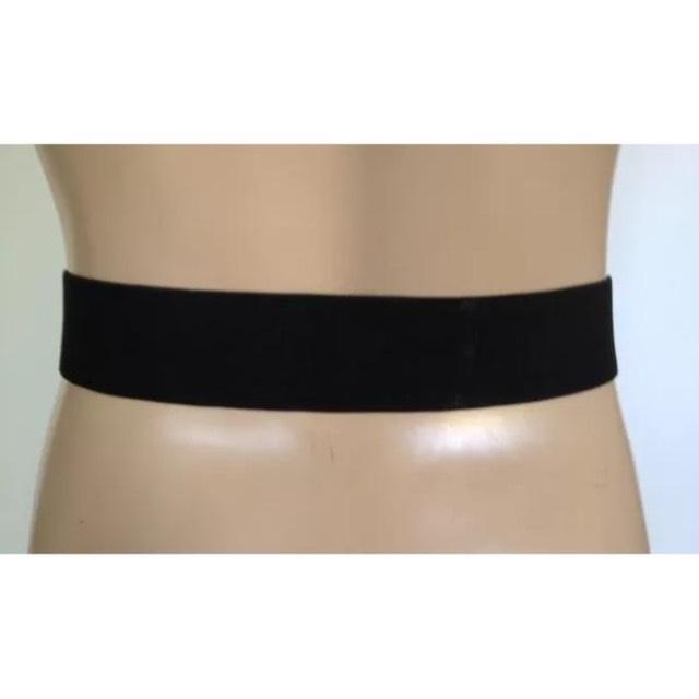 Measurement of high-waisted belt without buckle. A size 10/28