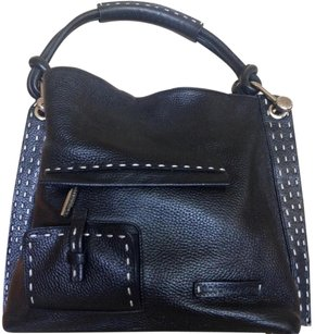 BCBGMAXAZRIA Pebble Ring Stitching Tote in Black Pebbled Leather w/White Stiching