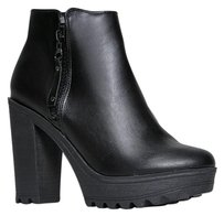 Breckelle's Black Boots
