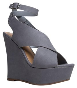 Breckelle's Gray Wedges