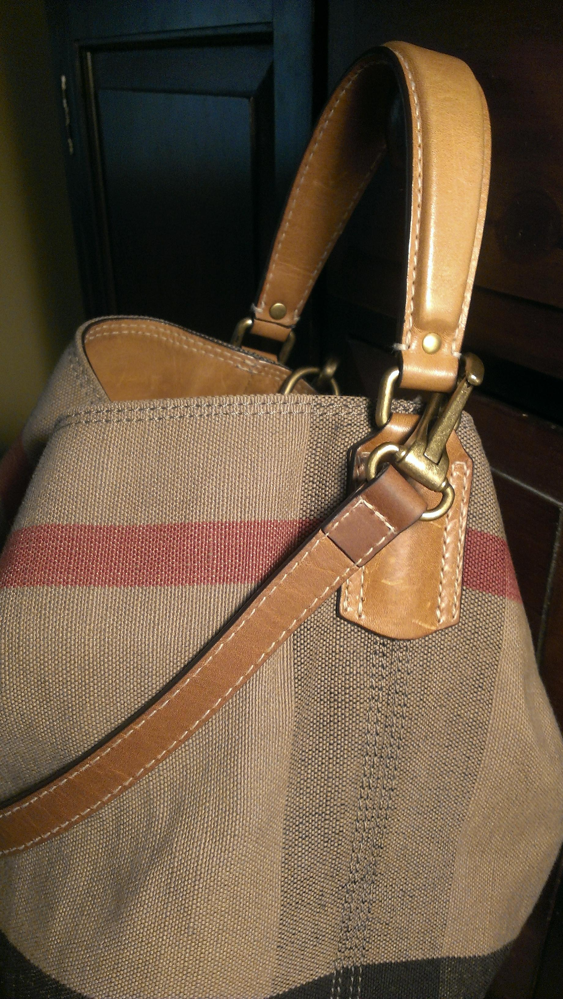 cheap Burberry . A Very Popular In The Colors. Leather Handles ...