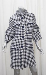 Carolina Herrera Womens Classic Navywhite Wool Houndstooth Jacket Coat