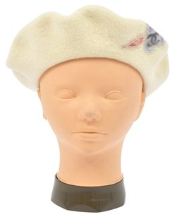 Chanel Authentic CHANEL CC Logos Camelia Hat Beret Cream Ivory Wool Vintage J00719
