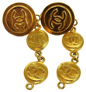 Chanel Authentic CHANEL Vintage CC Logos Earrings Gold-Tone Clip-On France LP09675