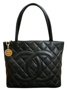 Chanel Bag - Satchel in Black