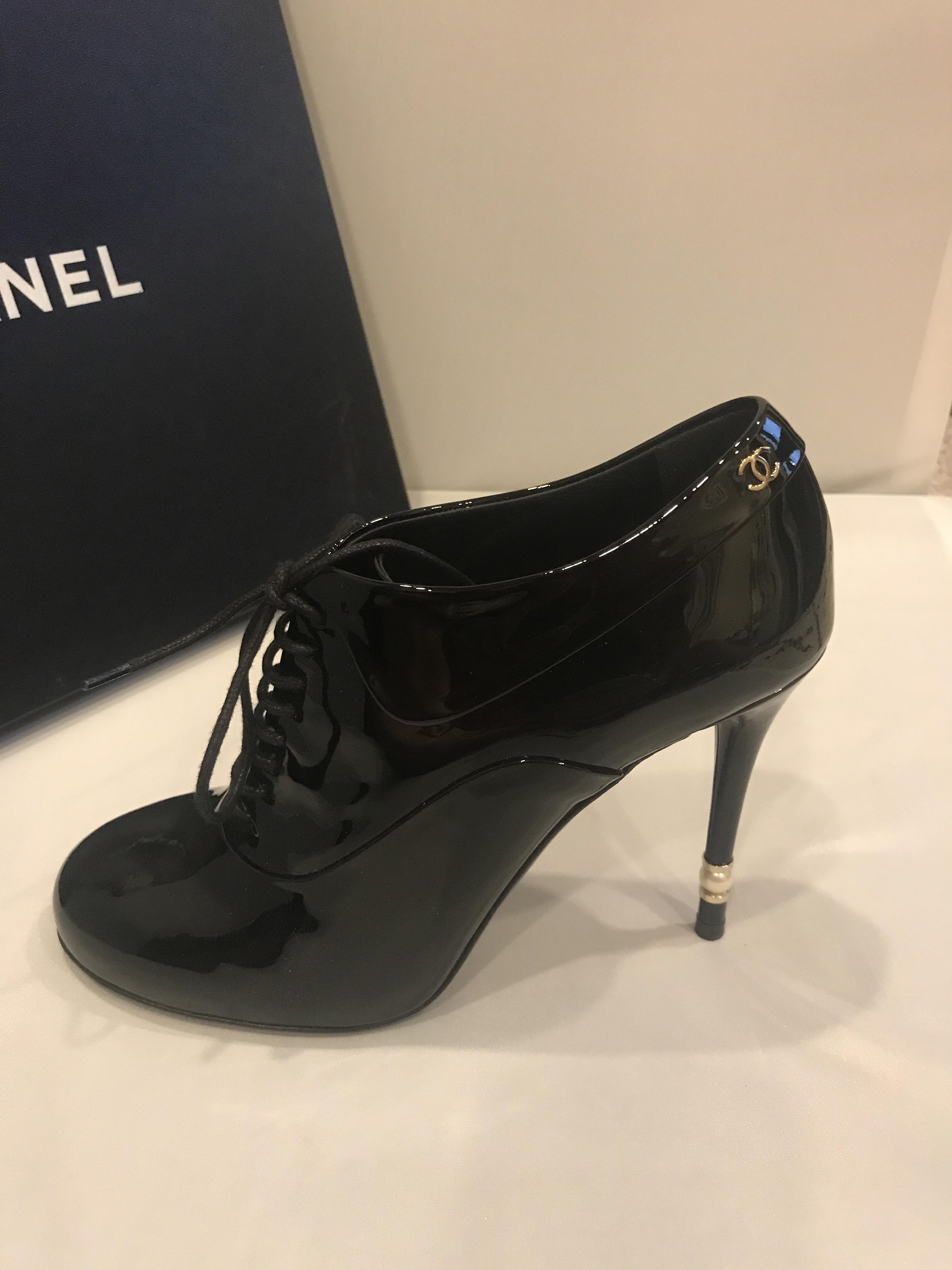 chanel 15a patent leather pearl heel lace up ankle sz 37