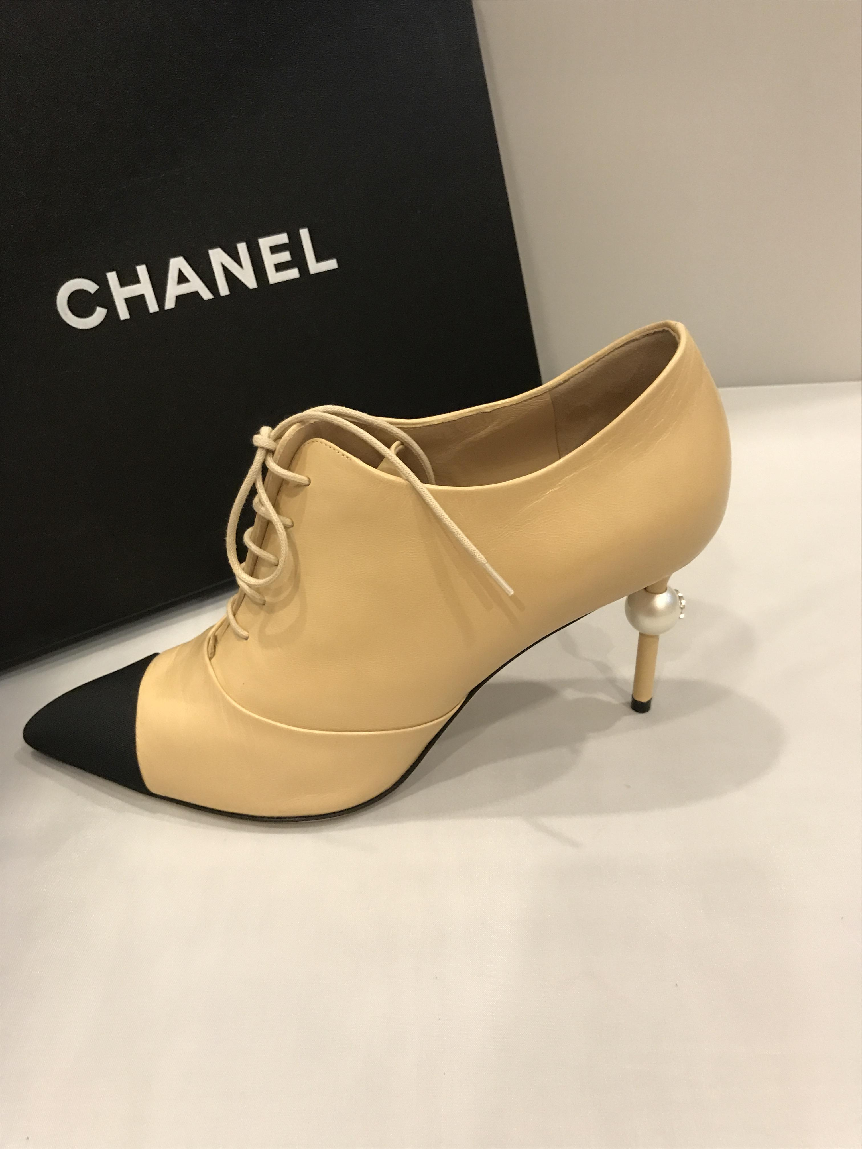 chanel 16a two tone leather pearl heel lace up ankle size