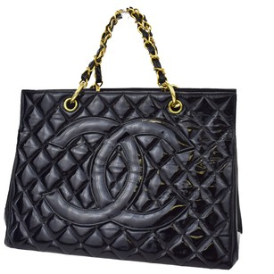 Chanel Chain Hand Leather Tote in Black