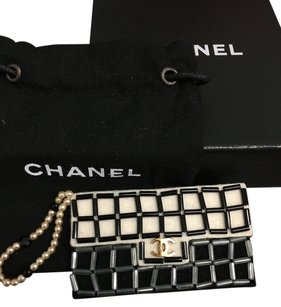 Chanel Chanel #4196 Oversized CC flap bag chocolate bar felt brooch