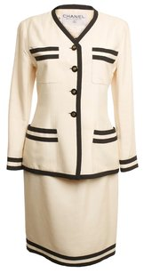 Chanel CHANEL BLACK AND IVORY SKIRT SUIT SIZE 10US 40 EURO