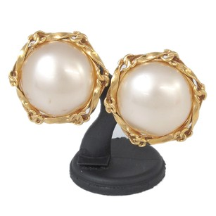 Chanel Chanel Round Earring