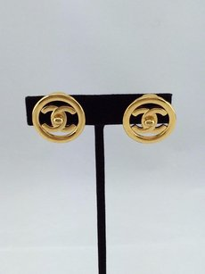 Chanel Chanel Vintage Gold Tone Cc Logo Clip On Earrings