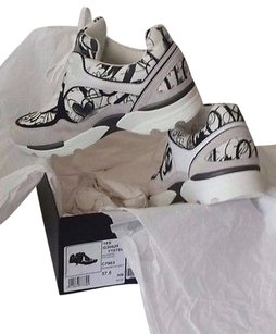 Chanel 15s Canvas Suede Cc White Athletic