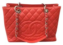 Chanel Gst Shopping Caviar Tote in RED