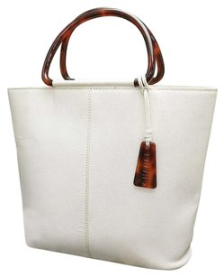 Chanel Hand Leather 5629649 Off Tote in White