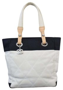 Chanel Leather Tote in Black/White