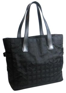 Chanel Tote in Newt