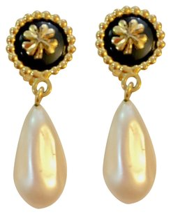Chanel Vintage Chanel clover and faux pearl drop earrings