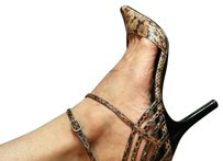 Chinese Laundry Snakeskin Brown/Black Pumps