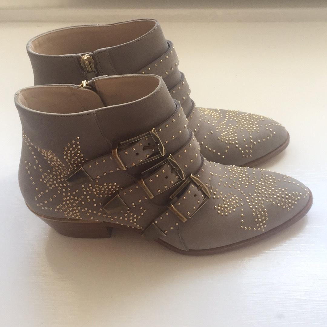 Chloé Taupe /Gold Ch22280 Boots/Booties Size US 6.5 Regular (M, B)