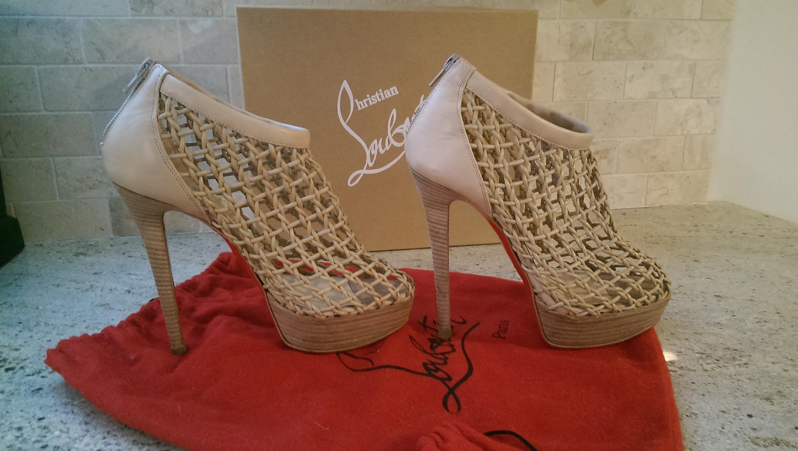 new product f73db 0973d Christian Louboutin Beige Coussin Boots/Booties Size Size ...