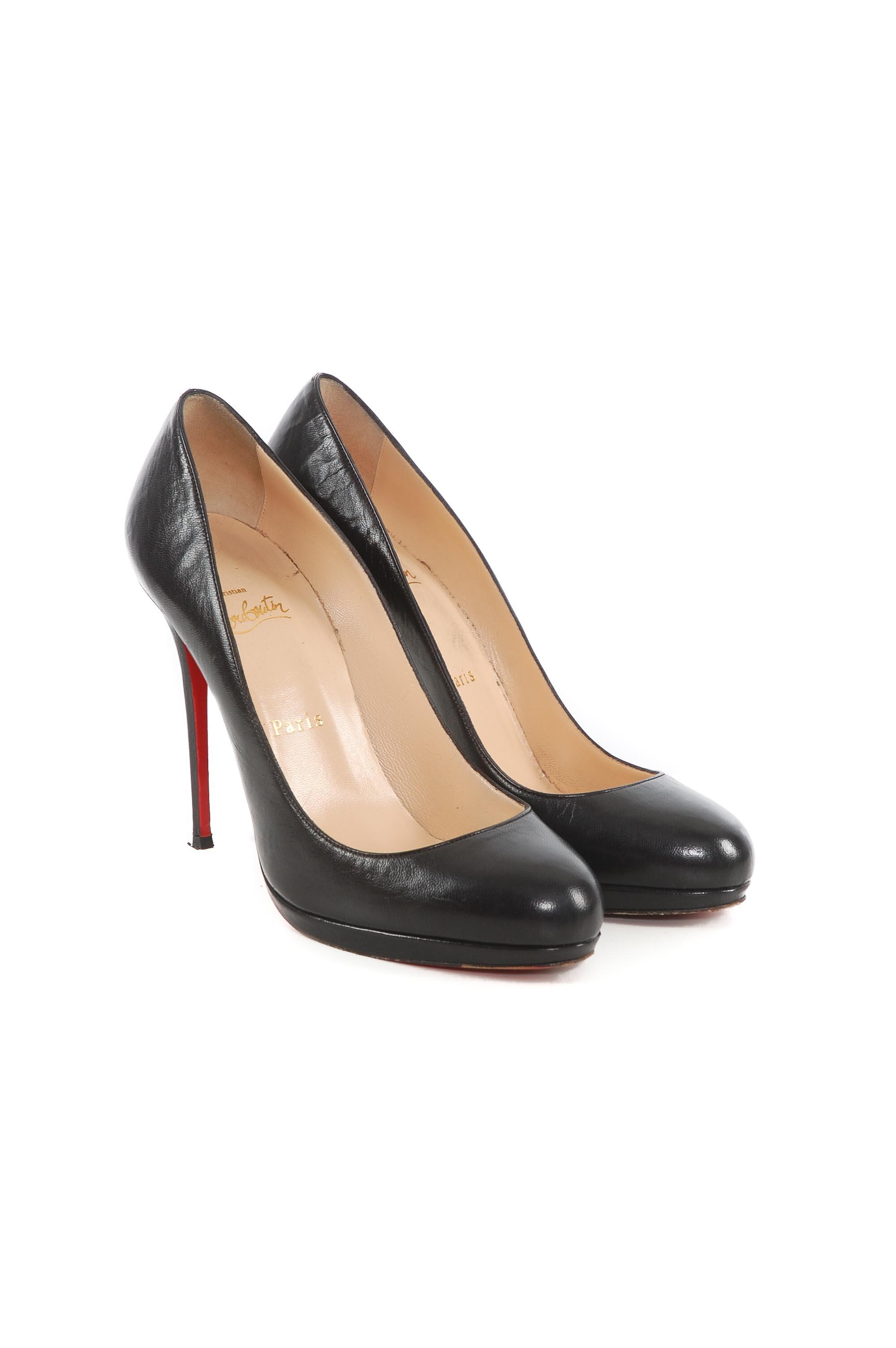 bf661429db3 Man Woman:Christian Louboutin Black Leather Pumps Size EU 39 (Approx. US US  US 9) Regular (M