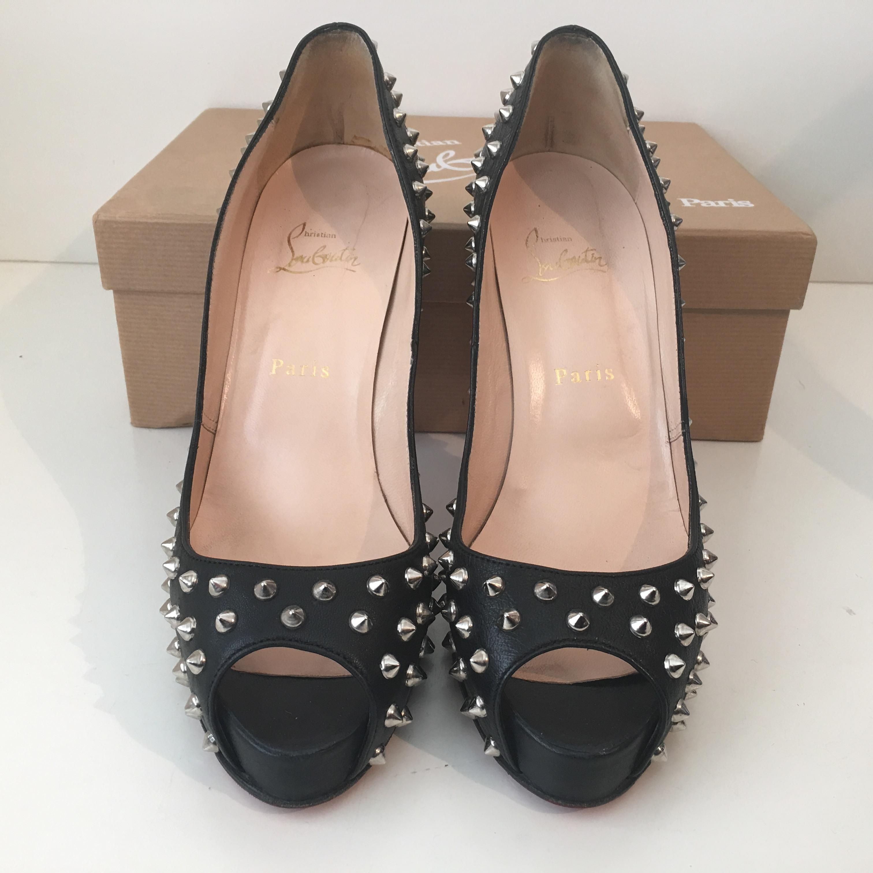79b247e9857 Christian Louboutin Black Very Prive Spiked Leather 38.5 Pumps Size ...