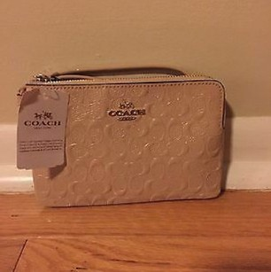 Coach Debossed Ivory Patent leather wristlet nwt Free Shipping Wristlet