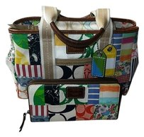 Coach Hermes Louis Vuitton Channel Dooney Vintage. Tote in Multi-Color
