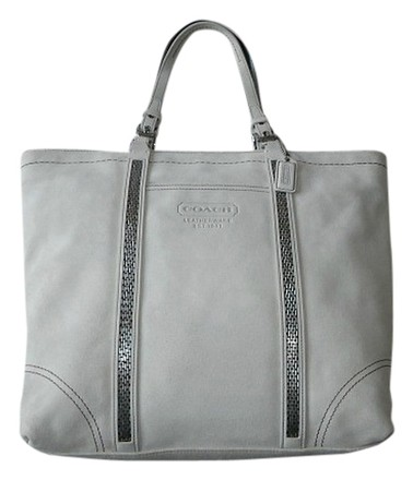 Preload https://item2.tradesy.com/images/coach-lg-finest-leather-gallery-purse-rare-ivoryoff-white-suede-beaded-tote-519691-0-0.jpg?width=440&height=440