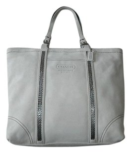 Coach Louis Vuitton Dooney Bourke Tote in Ivory/Off White
