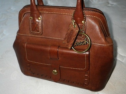 Coach Louis Vuitton Dooney Bourke Gucci Channel Rare Vintage Tote in Toffee
