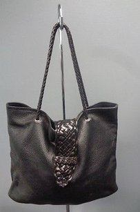 Desmo Textured Leather Tote in Black