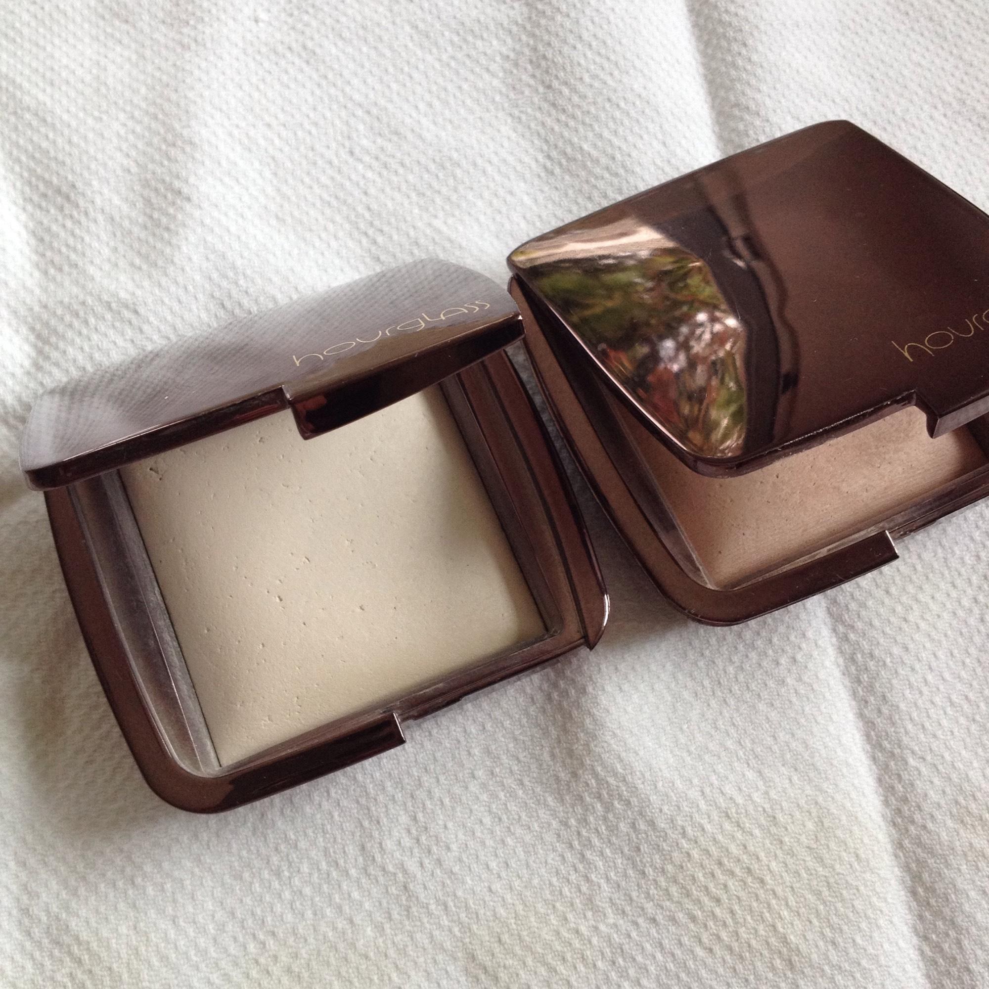 Other 2 Hourglass Ambient Lighting Powders ...