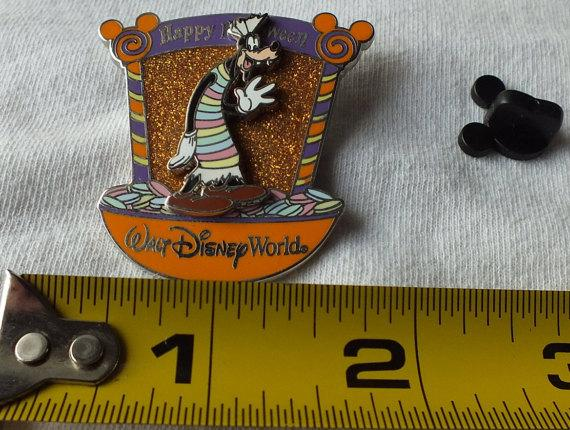 disney walt disney pin goofy happy halloween candy characters le wdw