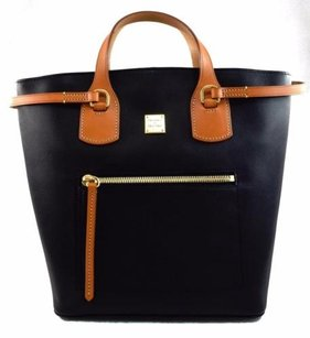 Dooney & Bourke Leather Tara Tote in Black