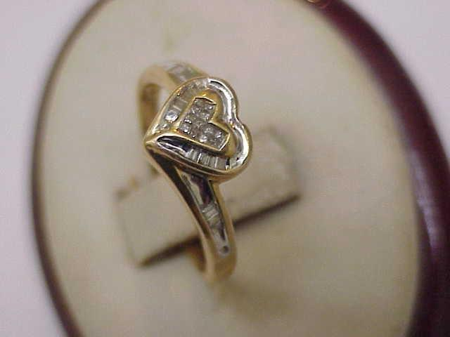 Estate Vintage Heart Shaped 14k Yellow Gold 50ct Diamond Cluster