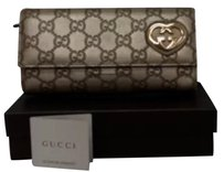 Gucci Authentic Logo Gucci Wallet good condition