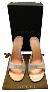 Gucci Ivory Pumps