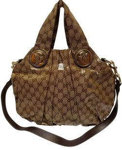 Gucci Signature Gg Shoulder Bag