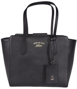 Gucci Swing Leather Tote in Black