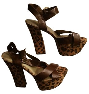 Guess brown Sandals