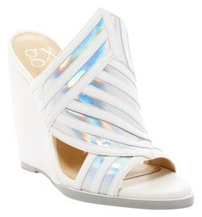 Gwen Stefani Wedges