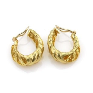 Henry Dunay Designs Henry Dunay 18k Yellow Gold Hammered Shell Oval Hoop Clip On Earrings