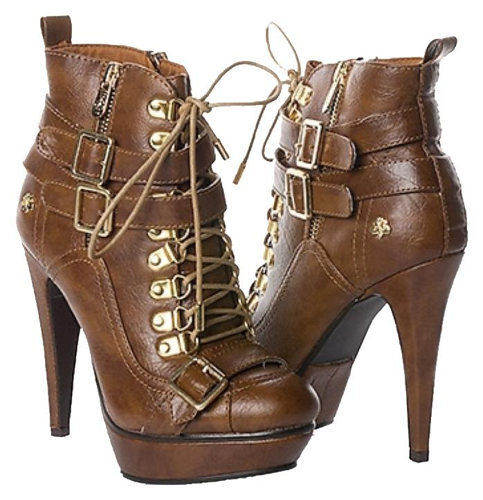 House Of Der 233 On Boots Up To 90 Off At Tradesy